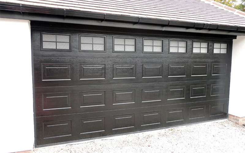 Dekoratif Panelli Garaj Kapısı